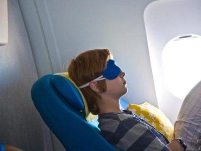 چگونه در هواپیما راحت بخوابیم ؟ [اینفوگرافیک]