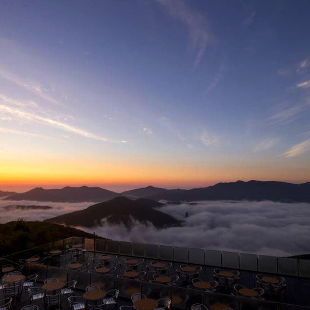 ژاپن، تراسی به فراز ابرها
