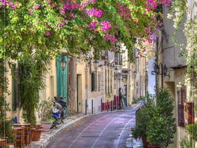 یونان – آتن، محلهی خدایان