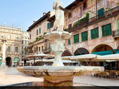 ایتالیا، ورونا – میدان Piazza Erbe