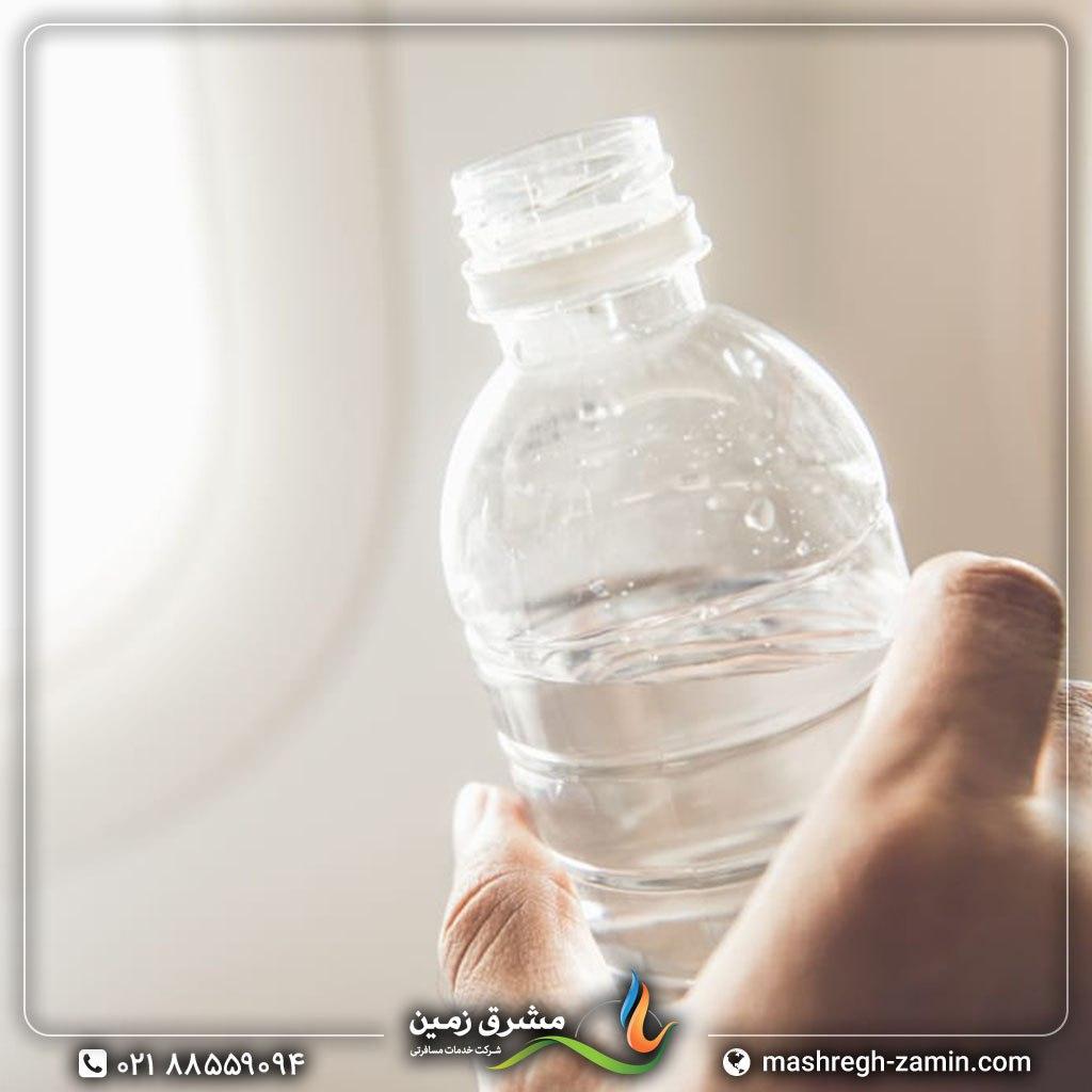 در سفرهای هوایی نوشیدن آب را فراموش نکنید